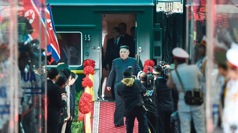 كيم لحظة وصوله إلى محطة قطارات دونغ دانغ في فيتنام. أ.ب