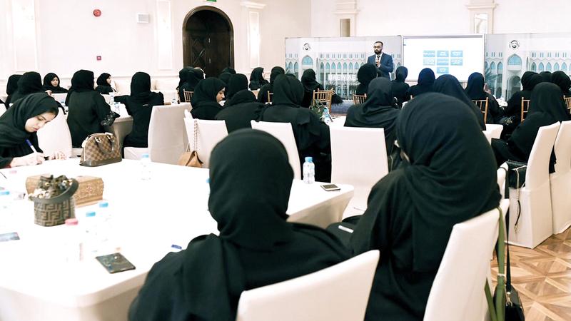 ورش العمل ينظمها الاتحاد النسائي العام بالتعاون مع برنامج خليفة للتمكين «أقدر».  تصوير: نجيب محمد