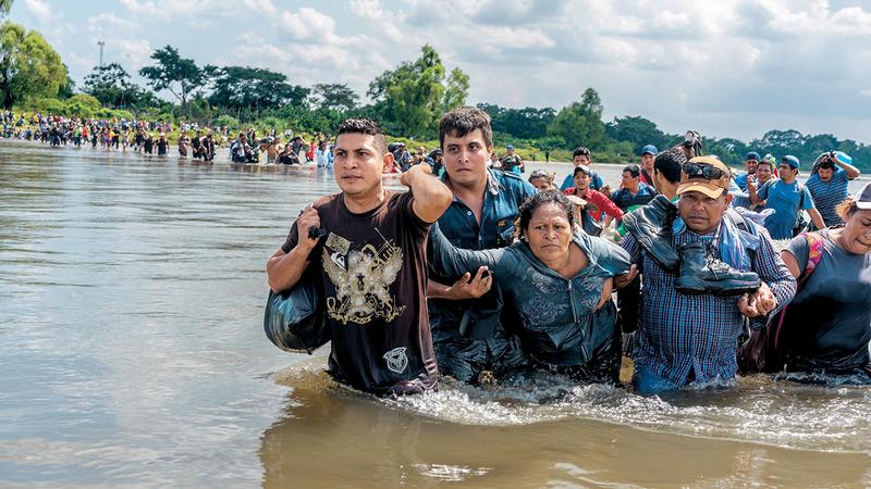 المجلة تلقي هذا الشهر الضوء على «مأزق السلفادور».