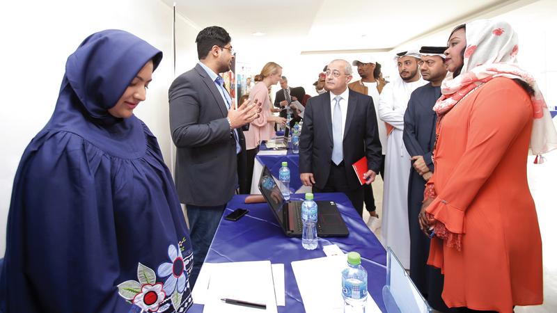 شارك بالمعرض نحو 60 مشاركاً من ممثلي الشركات  وعدد كبير من الطلاب.  من المصدر