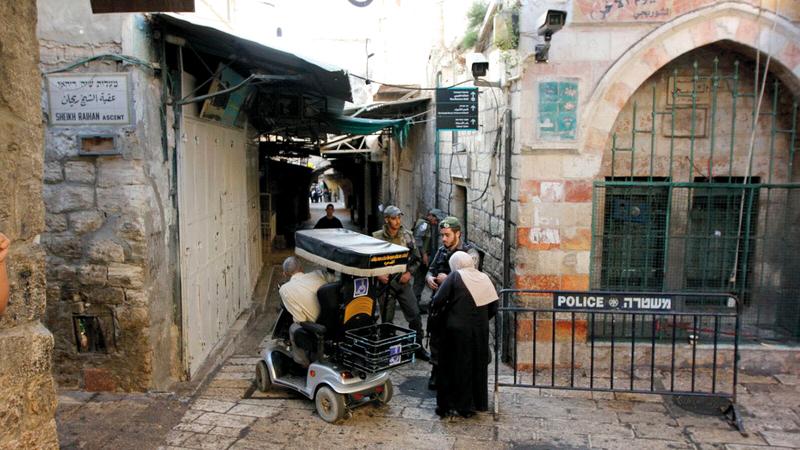 إجراءات الشرطة الإسرائيلية تستهدف الفلسطينيين في القدس يومياً. الإمارات اليوم
