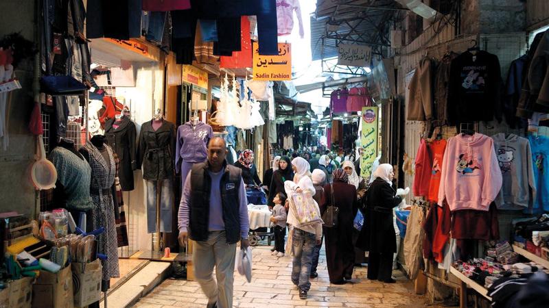 زيارات الوفود العربية إلى القدس ستدعم التجار وتعيد شرايين الحياة إلى محالّهم التجارية. الإمارات اليوم