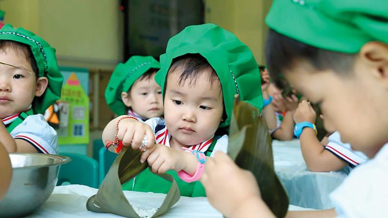 انخفض عدد المواليد في الصين بالآونة الأخيرة إلى 15 مليوناً في العام. من المصدر