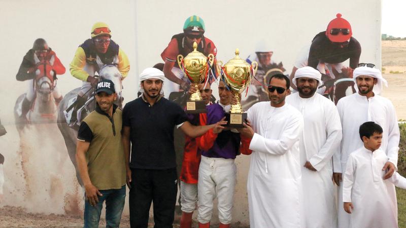نادي ليوا نظّم فعاليات احتفى فيها باليوم الرياضي الوطني، بإقامة سباق الخيول العربية بمدينة زايد في منطقة الظفرة. من المصدر