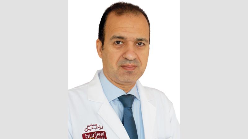 الدكتور أحمد  عبدالعال  استشاري طب أطفال.