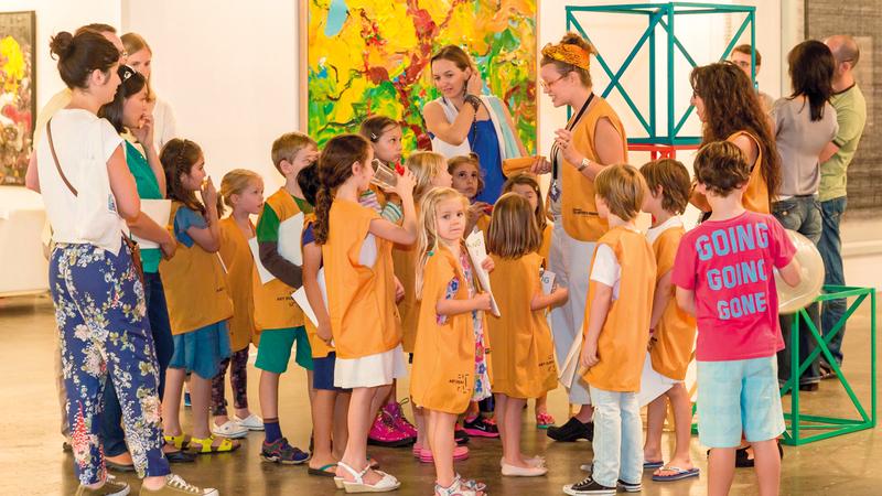 البرنامج فرصة تعليمية استثنائية للأطفال والشباب في الدولة لتشجيعهم على التفوق في مجال الفنون. من المصدر