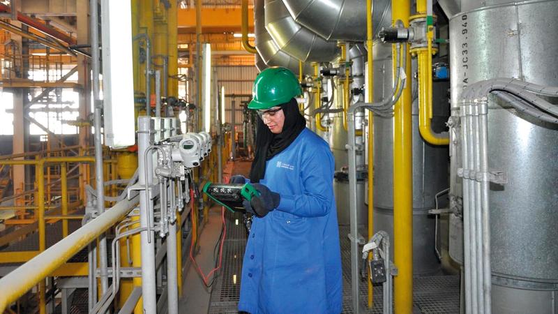 7 مصانع من 11 مصنعاً لـ «درفلة» الحديد في «حديد الإمارات» تدار من قبل شباب مواطنين يمتلكون خبرة وكفاءة عالية. من المصدر