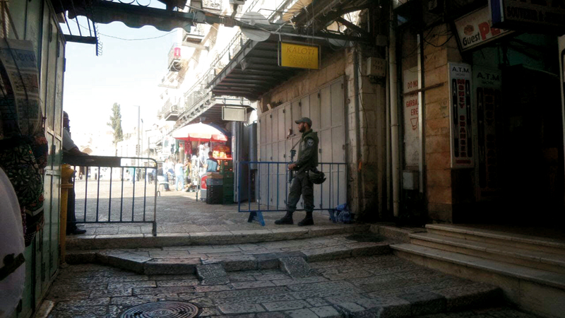 الأسواق التجارية في البلدة القديمة تشهد ركوداً اقتصادياً إلى جانب الإجراءات الإسرائيلية المستمرة. الإمارات اليوم