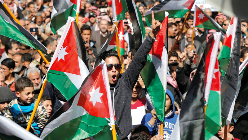 الاحتجاجات على تردي الاوضاع الاقتصادية تشكل ضغطا على الحكومة الاردنية. رويترز