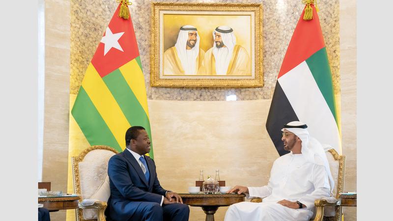 محمد بن زايد بحث مع رئيس جمهورية توغو علاقات الصداقة والتعاون. وام
