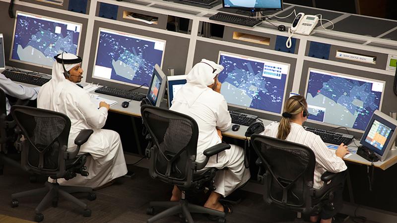 إدارة مراقبة الحركة الجوية في مركز الشيخ زايد للملاحة الجوية تتولى مراقبة الالتزام بالحظر. أرشيفية