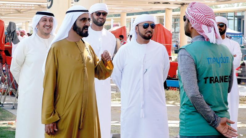 محمد بن راشد خلال متابعته كأس اليمامة للقدرة. تصوير: باتريك كاستيلو
