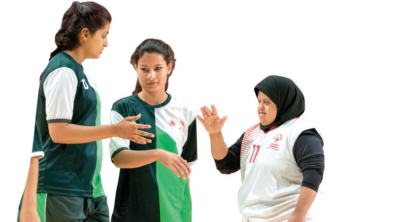 خلال برنامج التقسيم للأولمبياد الخاص بحضور منتخبي الإمارات وباكستان للكرة الطائرة. من المصدر