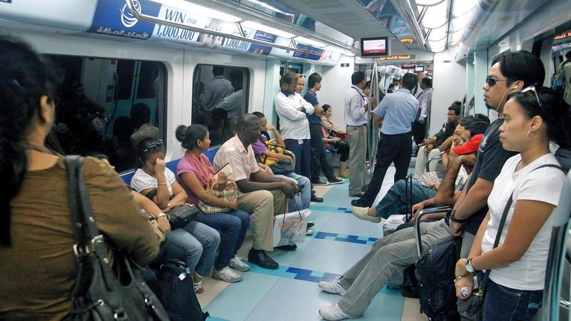 الهيئة رأت أن الأفضل إقناع الركاب باستخدام المترو عبر الإعلان عن أن القطار يقوده سائق. الإمارات اليوم