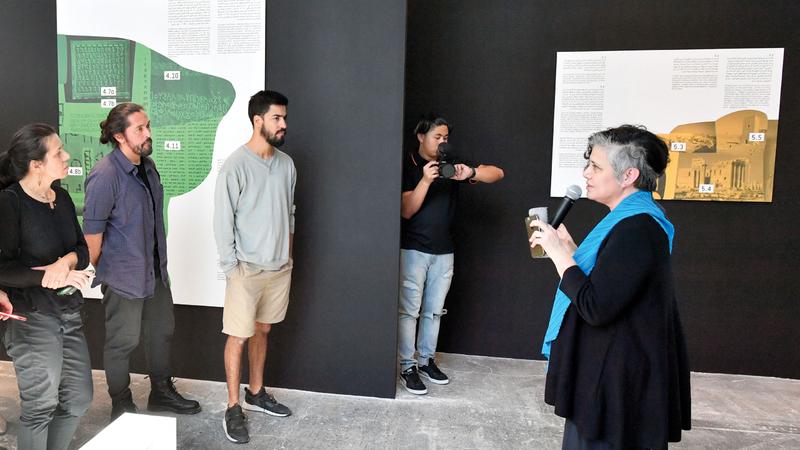 الأعمال تستعرض الدور المهم الذي لعبته النصوص القديمة في رسم الهوية الثقافية لمنطقة الشرق الأوسط.  تصوير: نجيب محمد
