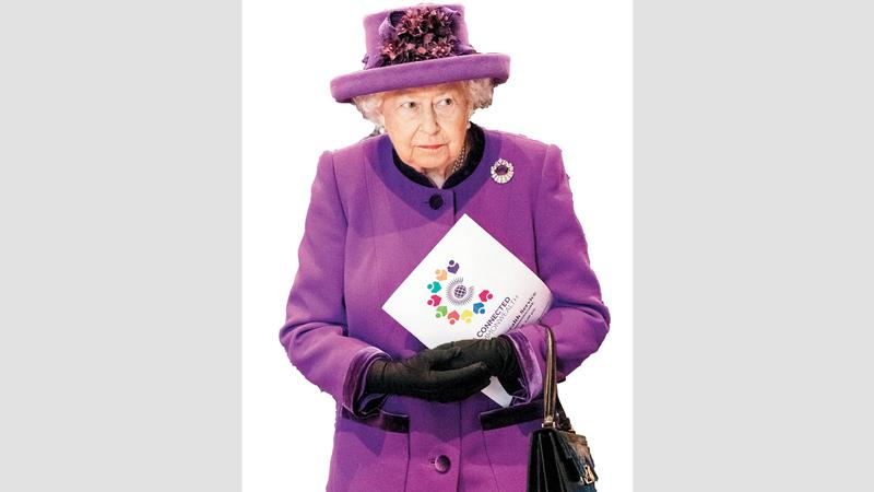 الملكة إليزابيث كانت رابطة الجأش خلال الحوادث التي تعرضت لها. رويترز