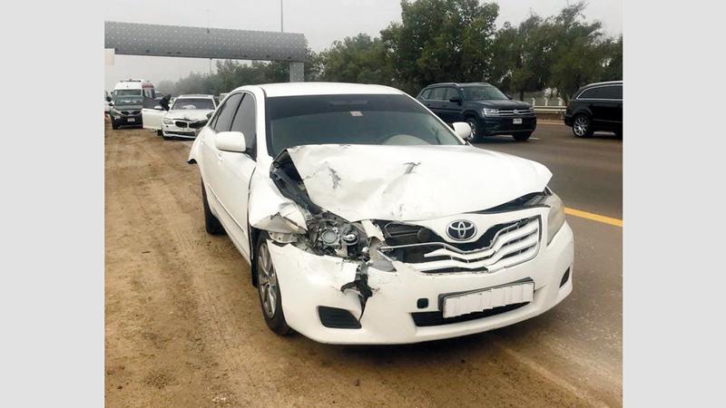الحوادث وقعت بشارع الشيخ مكتوم بن راشد في أبوظبي.  من المصدر