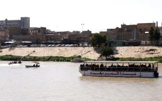 الصورة: 91 قتيلاً بغرق عبَّارة في الموصل.. وعبدالمهدي يأمر بتحقيق فوري