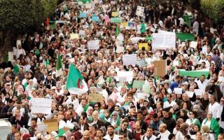 الصورة: استقالة 2000 عضو من ثاني أكبر حزب داعم لبوتفليقة