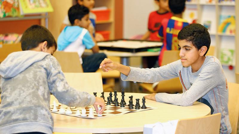 المدارس المجتمعية توفر أنشطة ترفيهية وبرامج لتلبية احتياجات كل الأعمار.  من المصدر