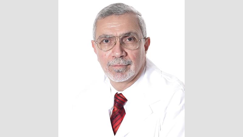 الدكتور شريف بكير: «الإقلاع عن التدخين يسهم بشدة في تحسين الصحة مهما كان عمر الشخص المدخن».