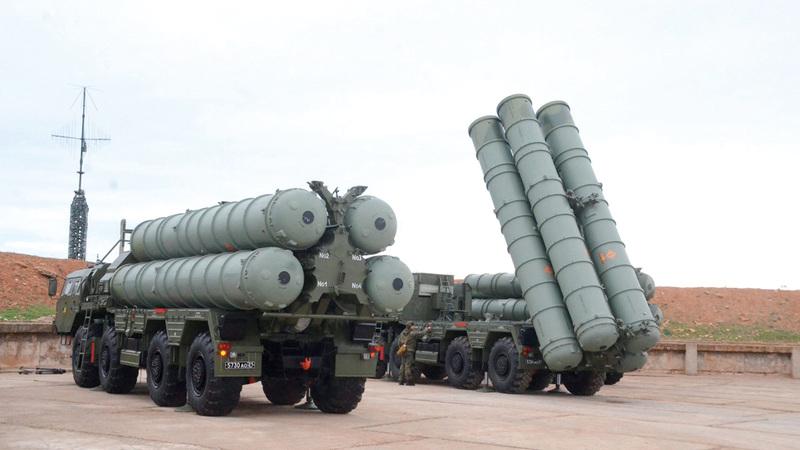 الخلاف لايزال محتدماً حول منظومة صواريخ «إس 400» الروسية.  أرشيفية