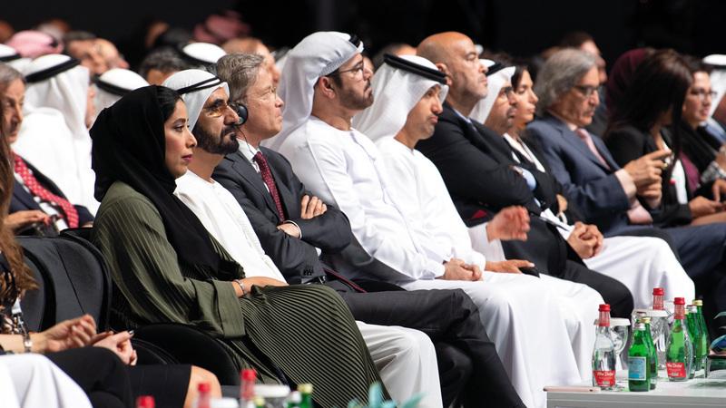 محمد بن راشد خلال حضوره الجلسة الافتتاحية. تصوير: أحمد عرديتي