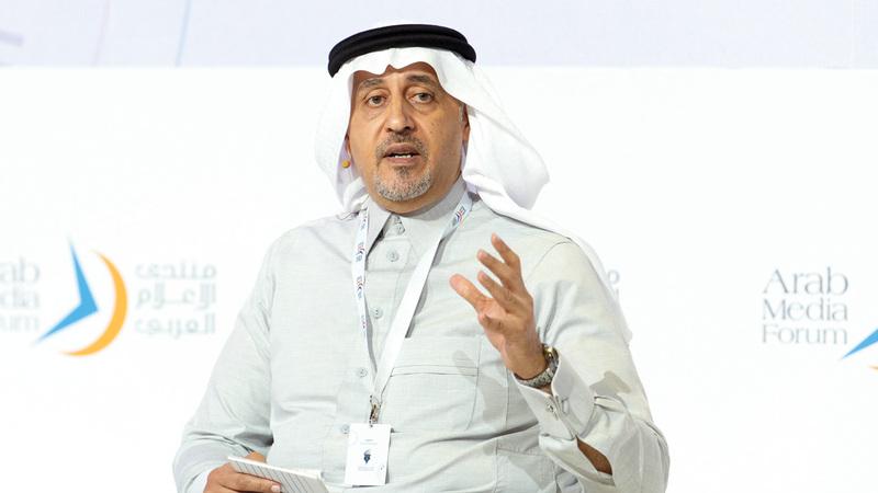 حسين شبكشي:  «الإعلام تأثر سلباً بتدخل المال العام..  والمال الخاص حيّده عن المهنية».  تصوير: أحمد عرديتي