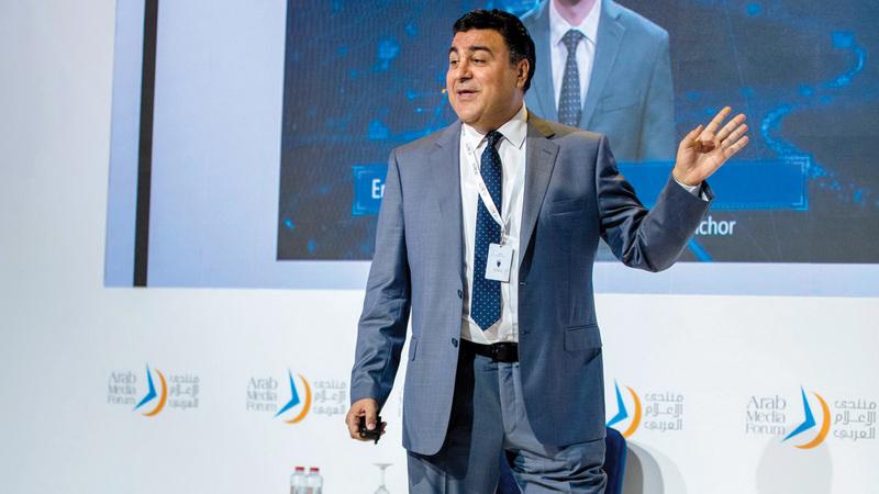 عبدالعزيز: آليات الذكاء الاصطناعي تستطيع رصد إيماءات الشخص وربطه بنص مختلق.  من المصدر
