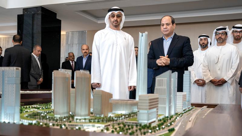 محمد بن زايد أعرب عن سعادته برؤية المشروعات النوعية المهمة التي يتم تنفيذها في مدينة العلمين الجديدة.  وام