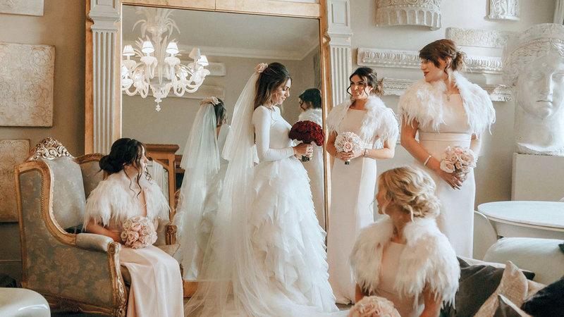 ad6dfdb45c481 عروس تشتكي حماتها لعدم رغبتها بالمساعدة في تكاليف الزفاف. العروس تقول إن ...