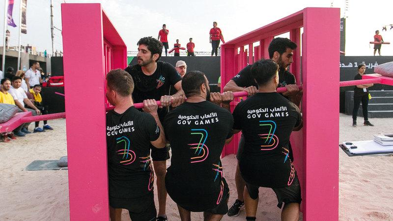 حمدان بن محمد خلال منافسات الألعاب الحكومية. من المصدر