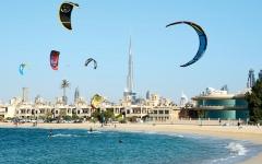 الصورة: شواطئ دبي.. حدائق ورياضات مائية وشرفات خارجية بإطلالات ساحرة