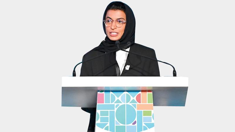 وزيرة الثقافة وتنمية المعرفة نورة الكعبي:  نؤمن بأن الثقافة للجميع، وحان الوقت  أن نسأل أنفسنا ما العلاقة بين الفن والآلة.