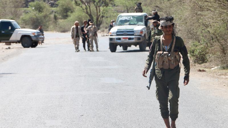 قوات الشرعية تواصل معركتها ضد الميليشيات الحوثية في الضالع. إي.بي.إيه