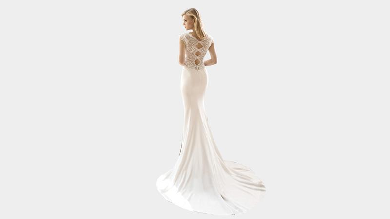فستان عروس البحر يغازل في المقام الأول العروس، التي تتمتع بقامة طويلة وقوام ممشوق. د.ب.أ