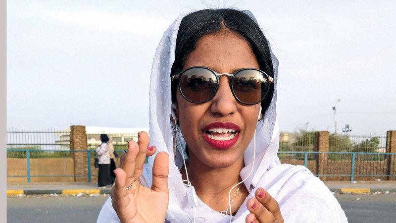 النساء عنصر مهم في الانتفاضة الجماهيرية السودانية. أ.ف.ب
