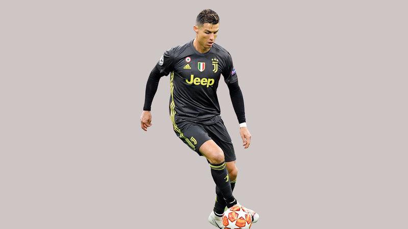 رونالدو سجل هدفه الـ125 أمام أياكس. أ.ف.ب