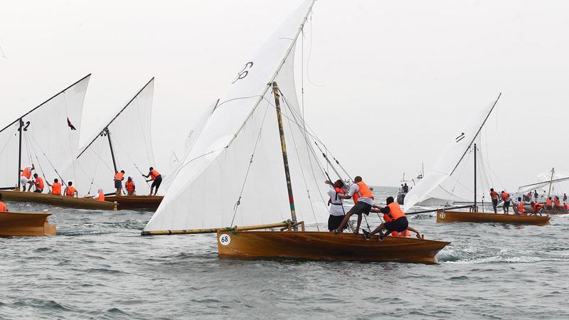 القارب «مرعب» حلّ في المركز الأول بـ «سباق جنانة» للقوارب الشراعية فئة 22 قدماً. من المصدر