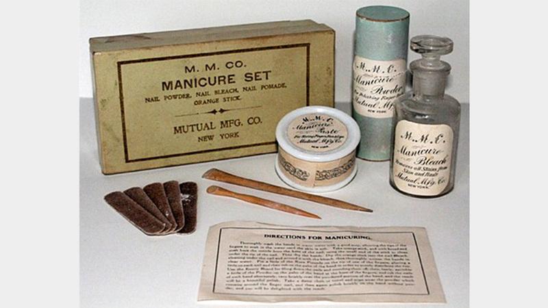 أول مركز أميركي لتزيين الأظافر افتتح في مانهاتن بنيويورك عام 1878. أرشيفية