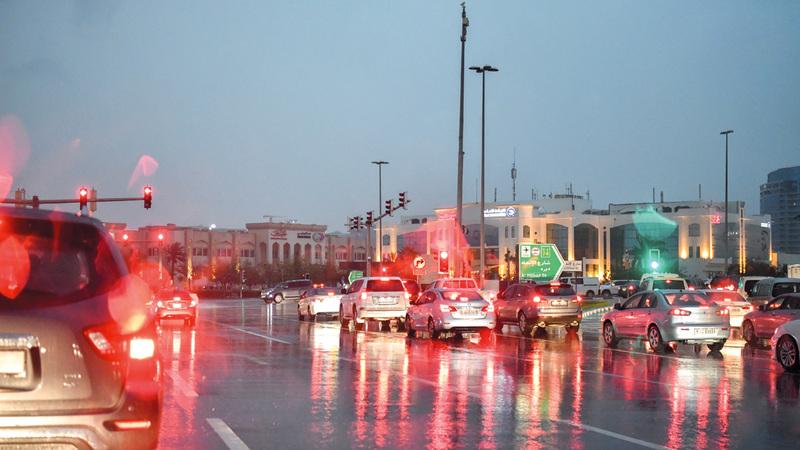 مدارس علقت الدوام للحفاظ على سلامة الطلبة. الإمارات اليوم