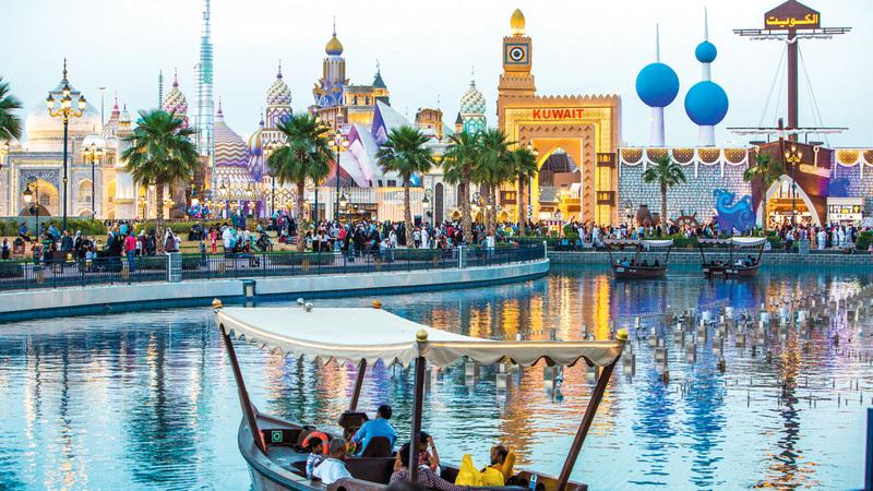القرية العالمية أحد أهم المتنزهات الثقافية والترفيهية في المنطقة والعالم.  الإمارات اليوم
