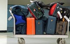 الصورة: تعويض المسافرين عن الأمتعة المتأخرة أو التالفة