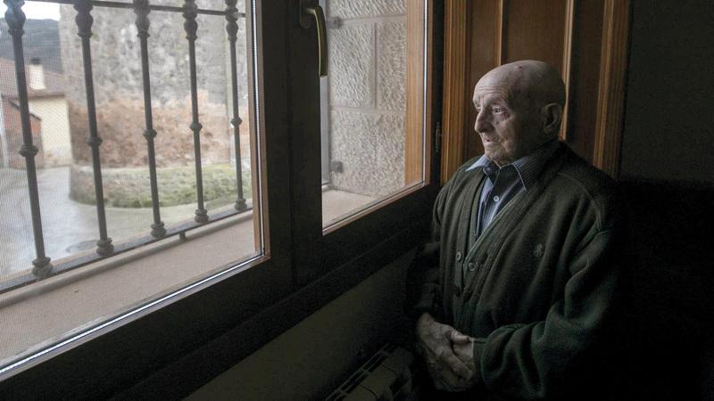 مليونا شخص فوق سن الـ65 في إسبانيا يعيشون بمفردهم. عن المصدر