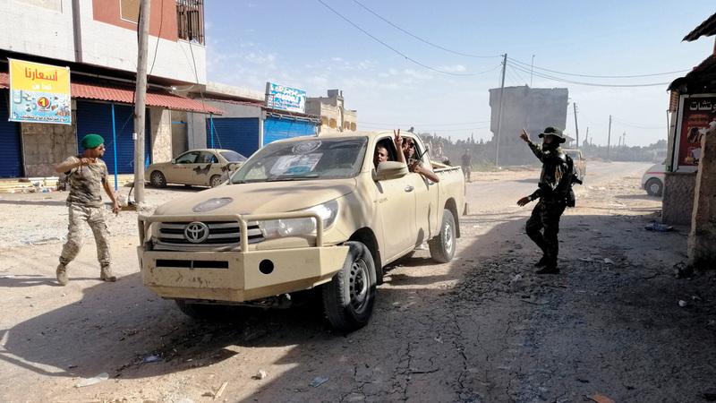 الجيش الوطني الليبي على أبواب طرابلس. رويترز