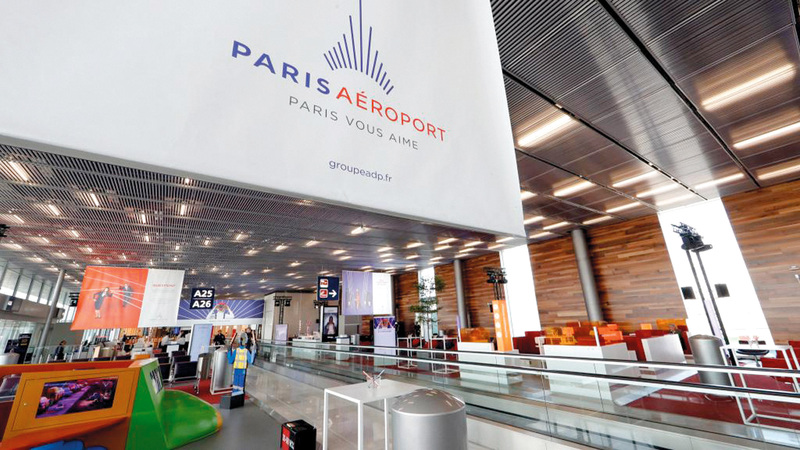 سعي قطر للتحكم في مطارات باريس أثار جدلاً بفرنسا. أرشيفية