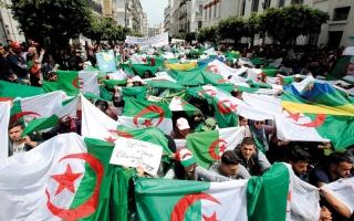الصورة: قايد صالح يتهم أطرافاً في الجزائر بـ «بيع ضمائرها»