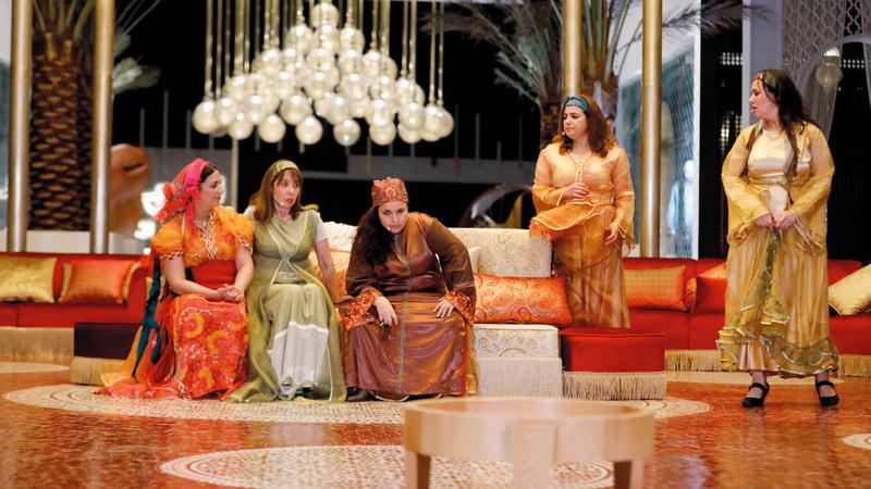لايزال الفن المسرحي المغربي يتمتع بحضور قوي في المجتمع والحياة الثقافية.  من المصدر