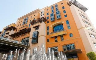 الصورة: اقتصادية دبي توجه بإغلاق 30 % فقط من مواقف مراكز التسوق