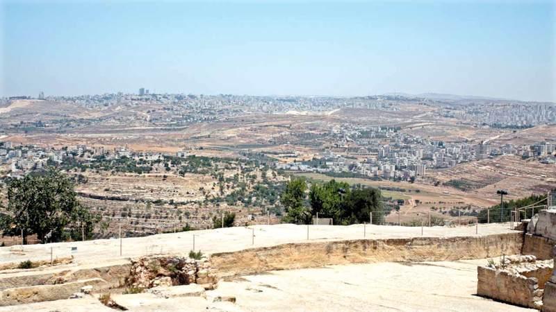 إسرائيل ضمت ثلثي مساحة قرية النبي صموئيل لبناء المستوطنات وإنشاء الجدار. الإمارات اليوم